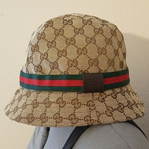 b9ac4e97461 Men s Gucci Bucket Hat on Poshmark